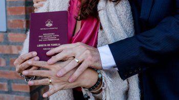 Hasta mediados de octubre suspenden los casamientos en Neuquén