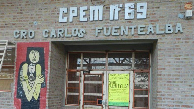 La escuela de Fuentealba: puertas cerradas y comedor abierto