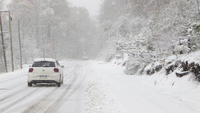 Fuertes nevadas complicaron las rutas cordilleranas
