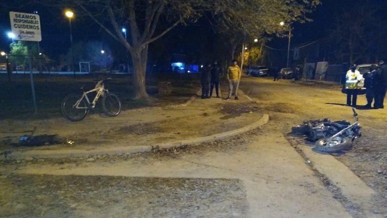 Valentina Sur: un motociclista de 18 años murió en confuso accidente
