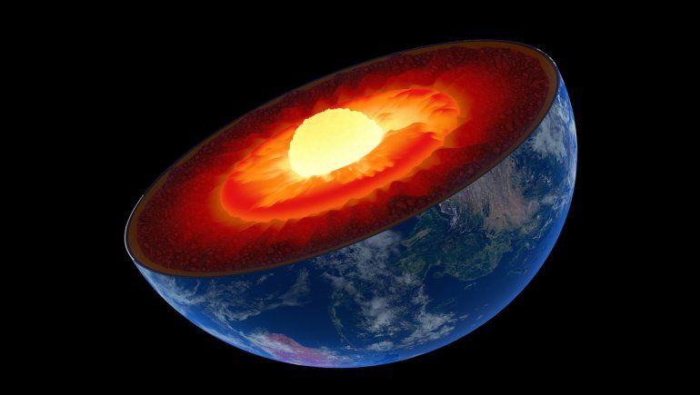 Científicos detectan enormes estructuras en el centro de la Tierra