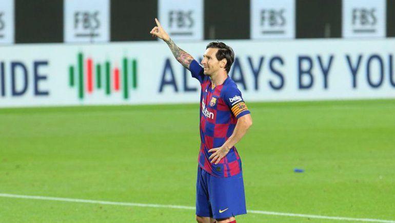 Uno más y no pedimos más: Messi marcó y quedó a uno de los 700