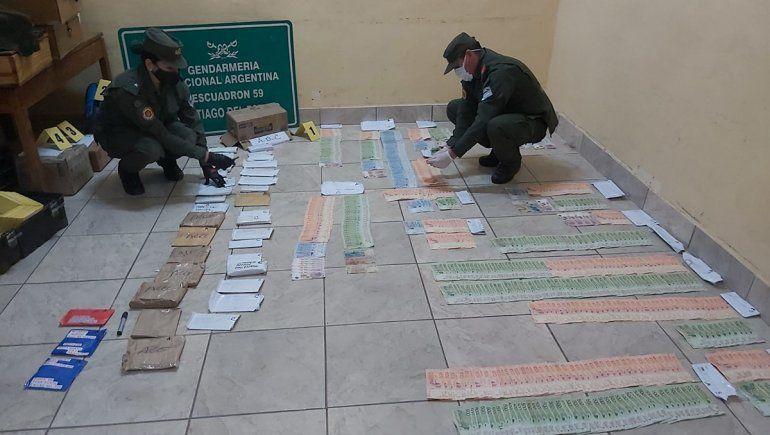 Hallaron $11.000.000 escondidos en sobres dentro de un camión