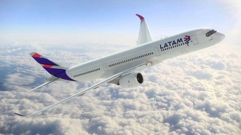 Latam se reunió con el Gobierno y ratificó que deja de volar