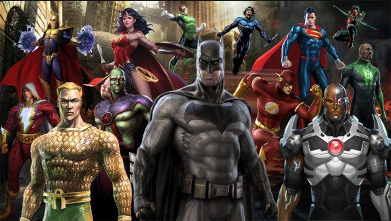 Se unen para producir podcasts sobre los superhéroes