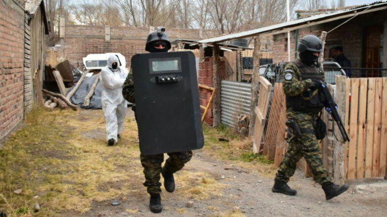 Zapala: cae jefa narco con un arsenal de armas