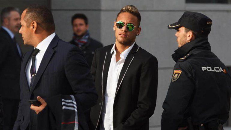 Neymar deberá pagarle al Barcelona tras perder el juicio