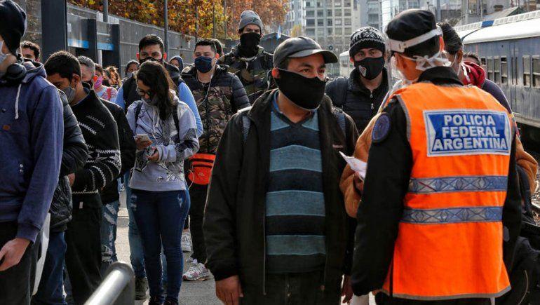 Argentina superó la barrera de los 2 mil casos en sólo un día