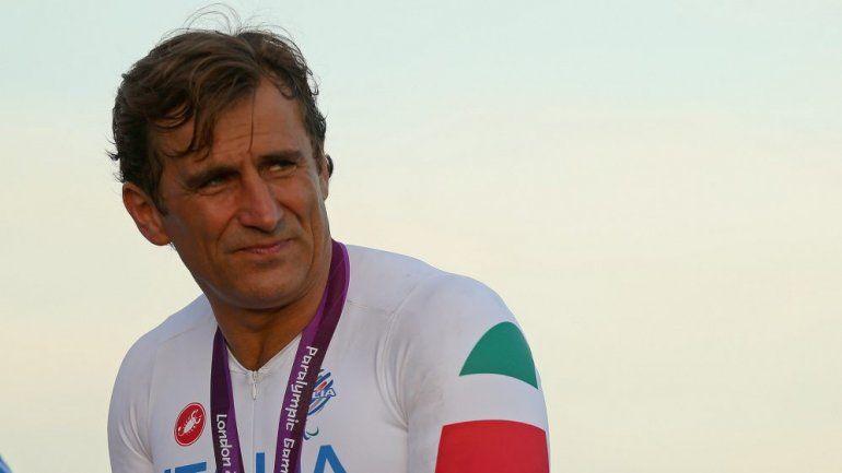Alex Zanardifue sometido a una nueva operación este lunes y sigue luchando por su vida en el Hospital Universitario de Siena en Italia.