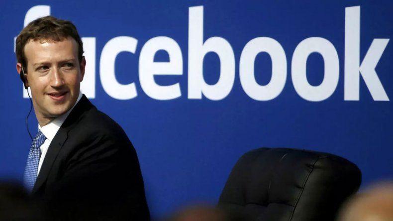 Facebook borra anuncio de Trump