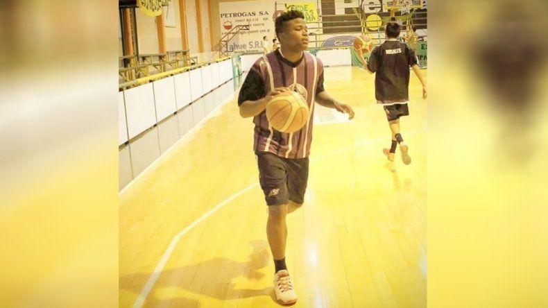 El básquet regional reza por Peluche, que lucha por su vida