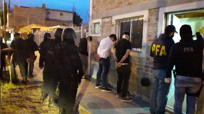 La Federal allanó un kiosco narco en Plottier