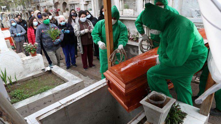 Chile cambió el método de conteo y ahora supera las 7 mil muertes
