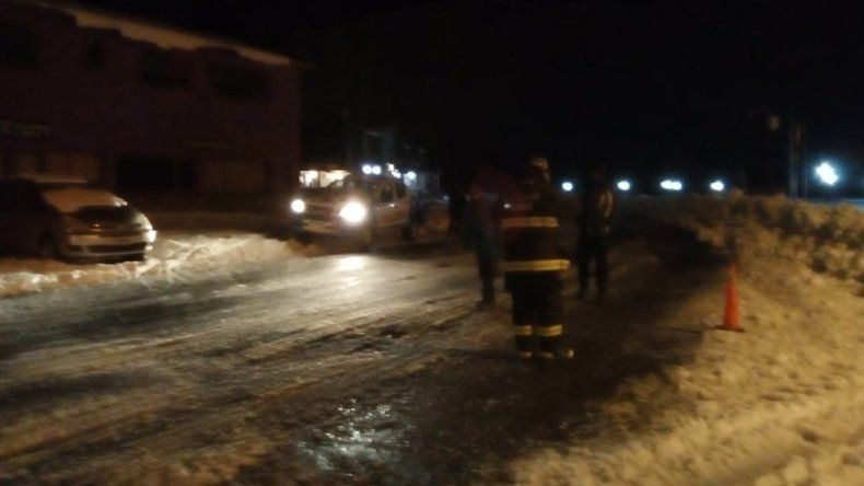 Rescataron a un joven que se perdió en la nieve y estuvo 24 horas enterrado hasta la cintura