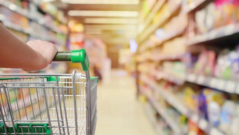 Comercio firma protocolo sanitario con supermercados chinos
