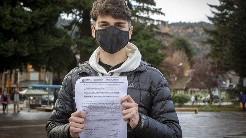 Joven recuperado de coronavirus pide terminar con la discriminación