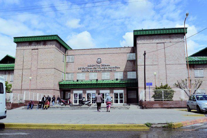 El adolescente fue trasladado al hospital de Cutral Co para su atención.
