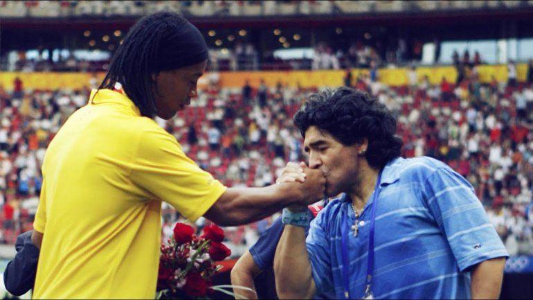¿Ronaldinho y Maradona juntos en el Lobo?