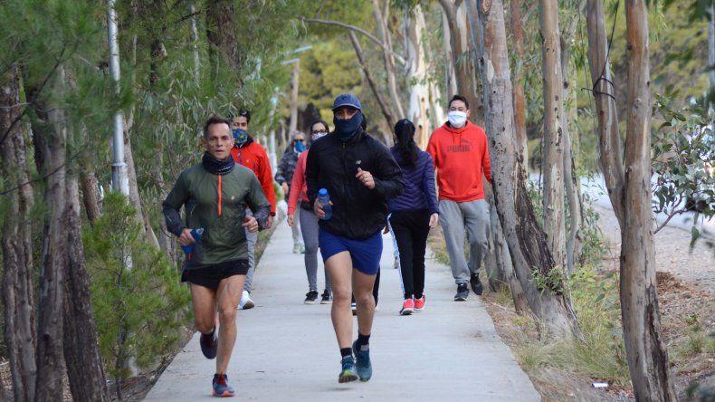 En AMBA no, en Neuquén sí los runners sí pueden correr