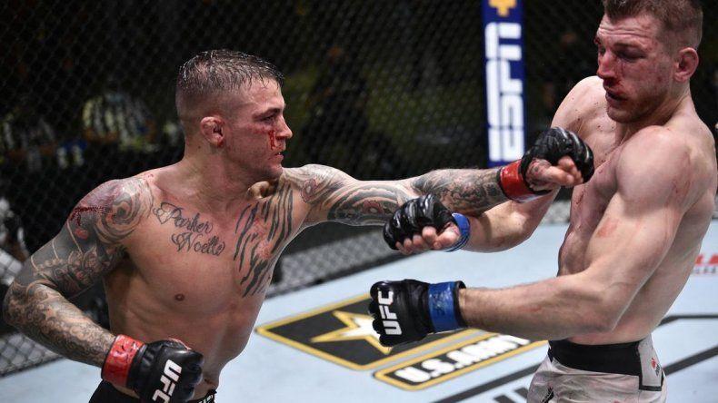 Noche UFC brutal: un ganador al hospital y récord de golpes
