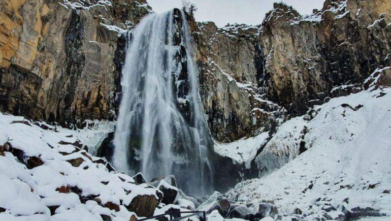 El mirador de la cascada La Fragua lucirá renovado