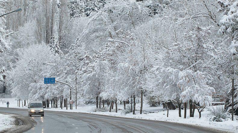 Nieve y frío: acuerdan trabajo conjunto en toda la provincia