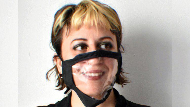 La neuquina que creó barbijos inclusivos e intercambiables