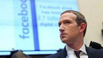 crece el boicot de companias contra facebook