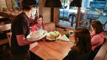 Neuquén: hay 1300 trabajadores menos en la gastronomía