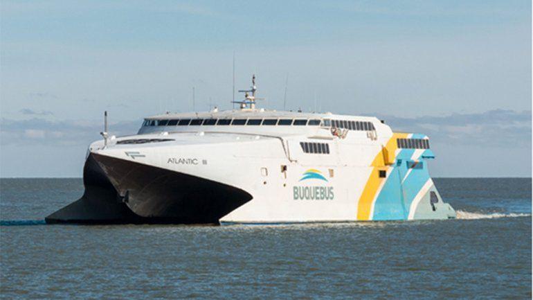 Viajaron a Uruguay con COVID-19 y ahora deben analizar a más de 250 personas