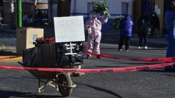 bolivia, colapsado por el covid: dejan cadaveres en las calles