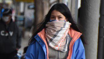 Con 21 contagios en un día, Neuquén alcanzó los 810 casos