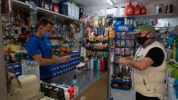 Hasta qué hora podrán abrir los negocios en Neuquén