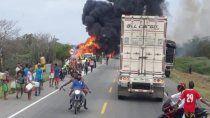 siete muertos y mas de 50 heridos por la explosion de un camion cisterna