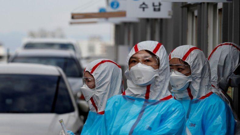 Alerta mundial: detectan una cepa seis veces más infecciosa