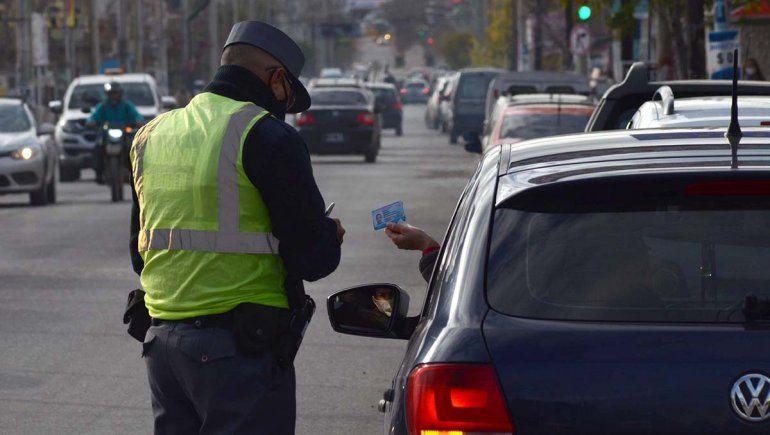 La Policía neuquina sumó 4 efectivos contagiados de COVID-19
