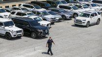 Estados Unidos incautó vehículos de alta gama que iban a Venezuela.