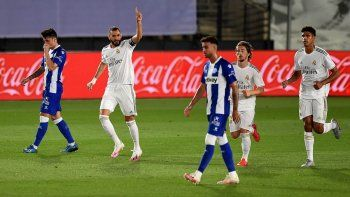 Con otro penal polémico, Real Madrid se encamina al título