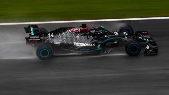 Lewis Hamilton consiguió una pole position incontestable en el Gran Premio de Estiria, segunda fecha de la nueva temporada de la Fórmula 1.