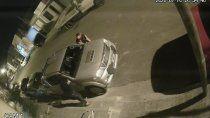 estaciono delante de su casa y le robaron los espejos retrovisores