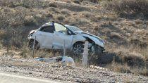 cutral co: murio una joven tras volcar en la ruta 22
