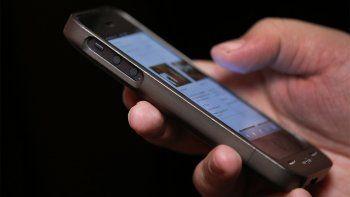 Vendía su celular por Facebook y lo estafaron por $500 mil