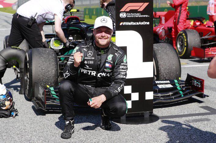 Valtteri Bottas seguiría dentro de la Fórmula 1 con el equipo Mercedes. El finlandés ya habría arreglado su renovación de contrato para 2021.