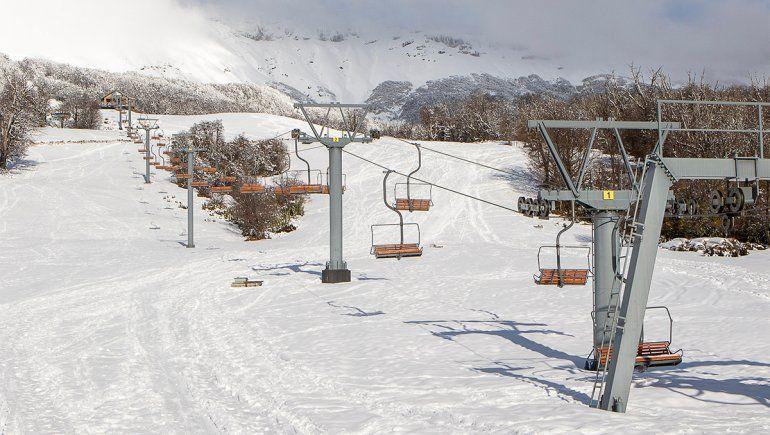 Pese al año perdido, los centros de esquí se ponen a punto