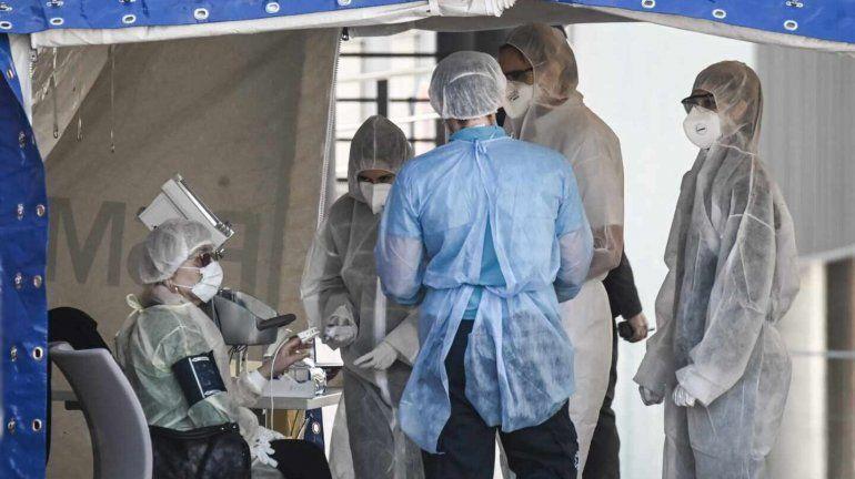 Coronavirus: Francia sube los sueldos del personal de la salud