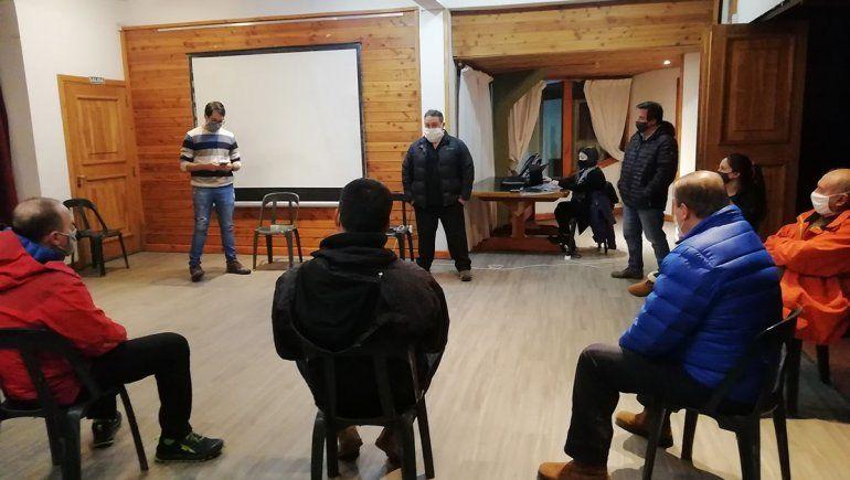 El Comité de Crisis en Villa La Angostura estudiará los pasos a seguir en base a los resultados de los estudios