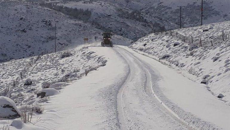Operativo vial por la nieve.