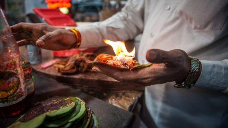 La comida callejera es parte del relato cultural de la identidad de un pueblo.