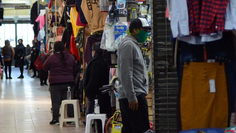La feria de Las Pulgas reabrió y lo celebraron 55 familias