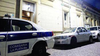acusan a un policia de picanear a un joven detenido por un robo